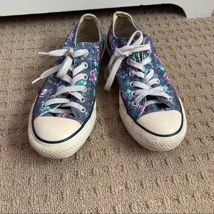 All star low top blue floral converse